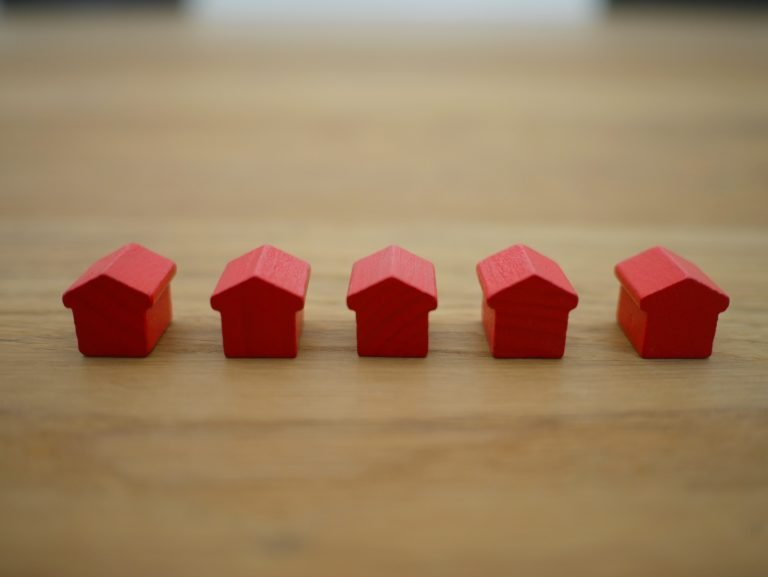 Are There Mortgage Lenders That Don't Need Credit Scores?